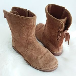 UGG   Tan Suede Lace Back Short Boot